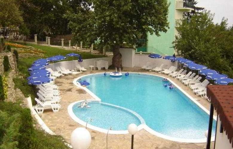 Vezhen - Pool - 3