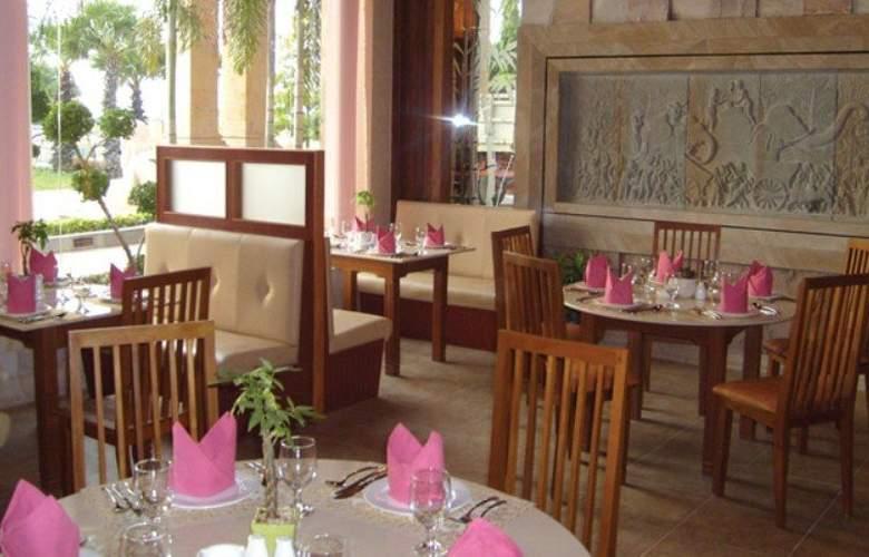 Blue River - Restaurant - 27