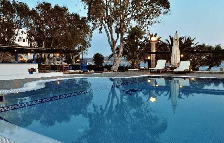 Lagada Beach - Pool - 2
