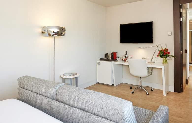 NH Collection Barcelona Gran Hotel Calderón - Room - 13