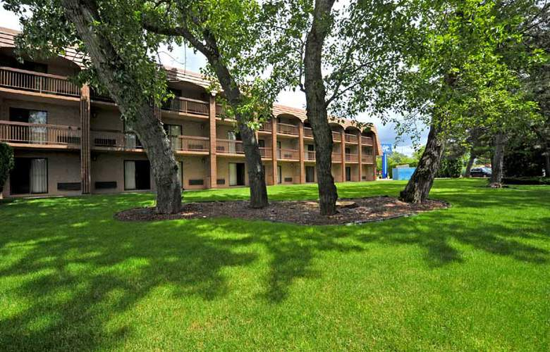 Cottonwood Suites Riverside Downtown - Hotel - 0