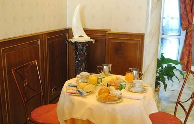 Boccaccio - Hotel - 1