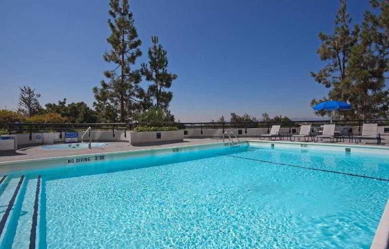 Crowne Plaza Hotel San Jose Valley - Pool - 25
