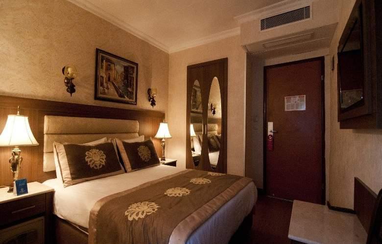 Grand Hilarium Hotel - Room - 3