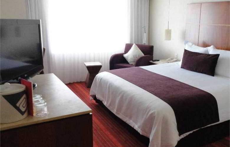 Camino Real Aeropuerto - Room - 12