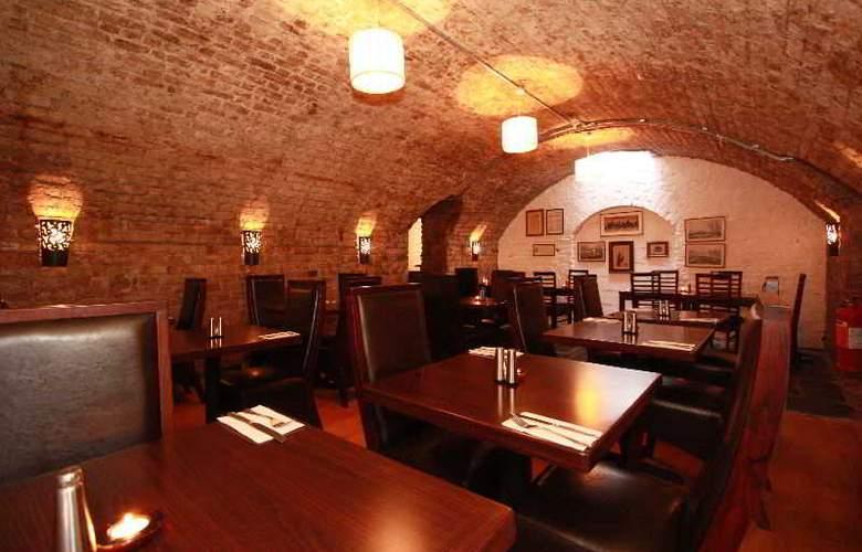 The Castle Hotel - Restaurant - 21