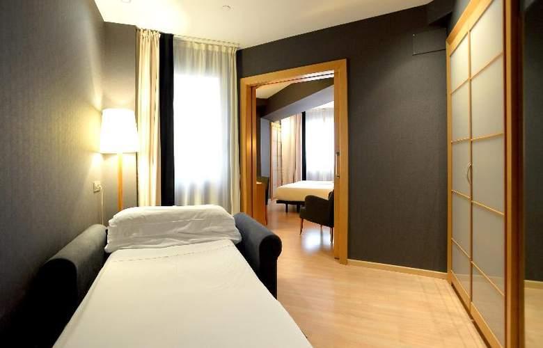 Barcelona Universal - Room - 33