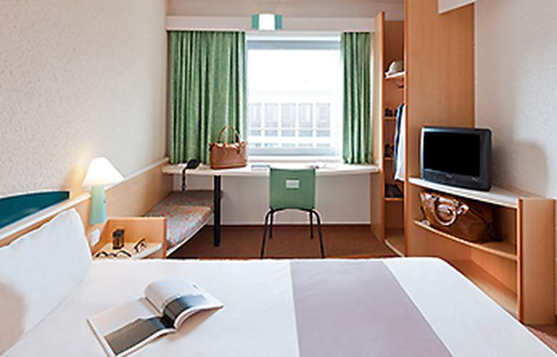 Ibis Madrid Fuenlabrada - Room - 5
