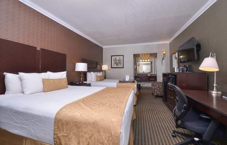 Best Western Plus Innsuites Phoenix Hotel & Suites - Room - 49