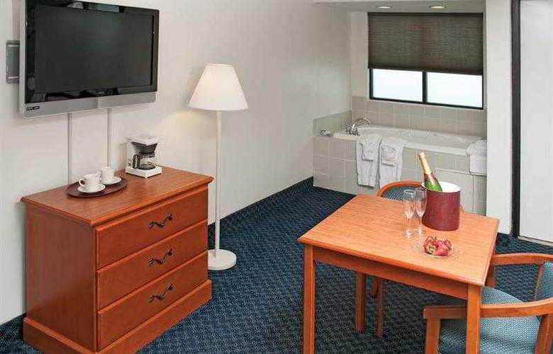 Best Western Plus Oceanfront Virginia Beach - Hotel - 18