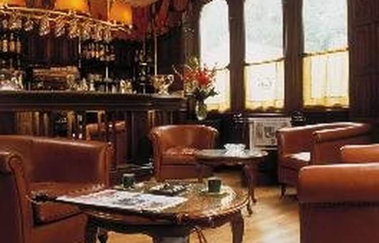 Chateau de Brindos - Bar - 7