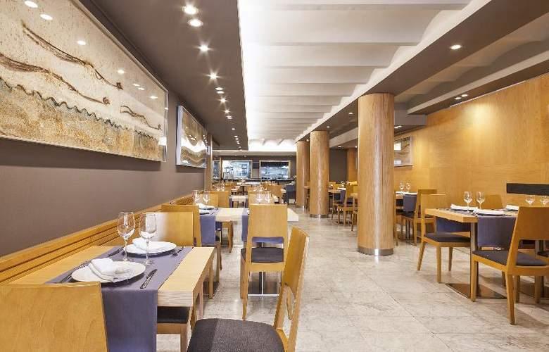 Acta Atrium Palace - Restaurant - 27