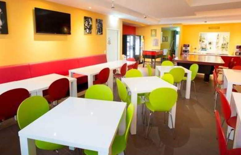 a&t Holiday Hostel Wien - Restaurant - 12