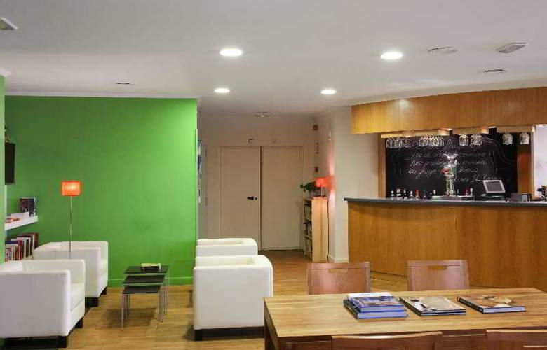 Holiday Inn Express Tres Cantos - Bar - 5