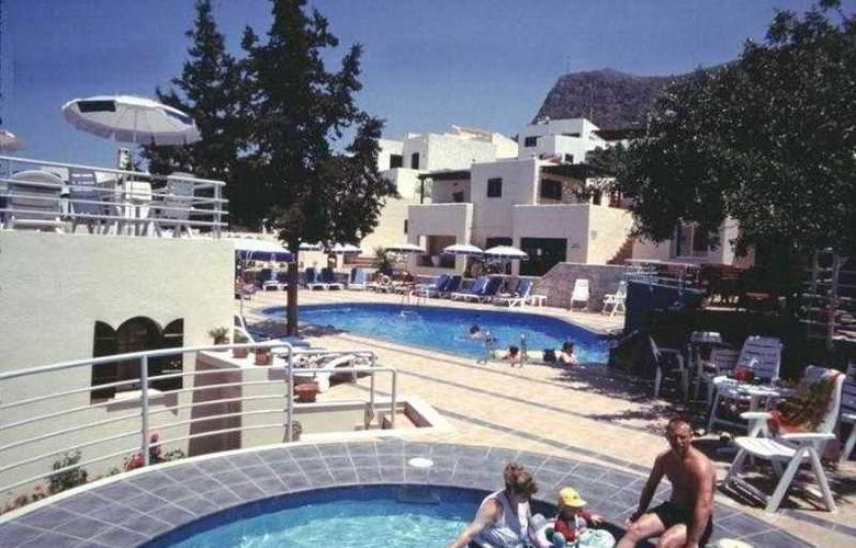 Esperides Villas - Pool - 3