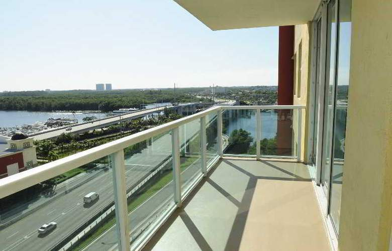 Large 3 Bedroom Apartment in Sunny Isles - Room - 3