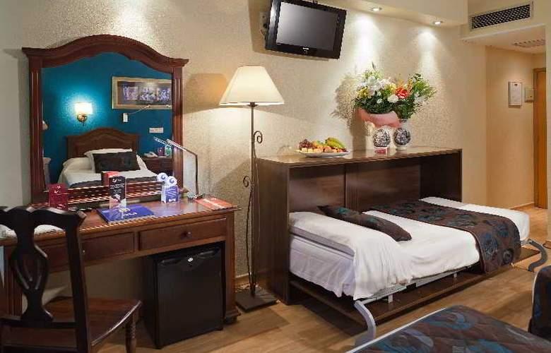 Bellavista Sevilla - Room - 20