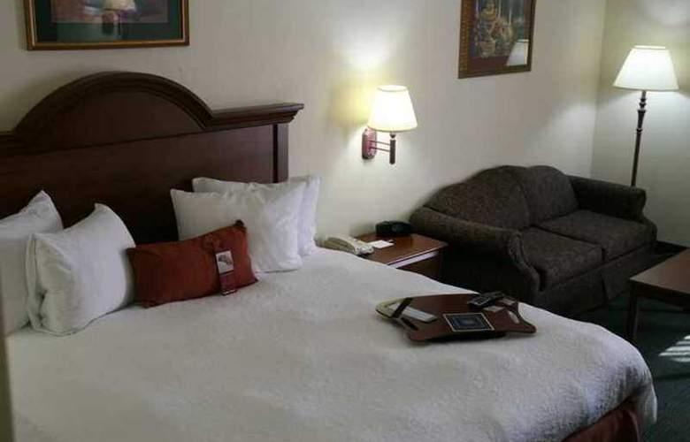 Hampton Inn & Suites Toledo-North - Hotel - 2