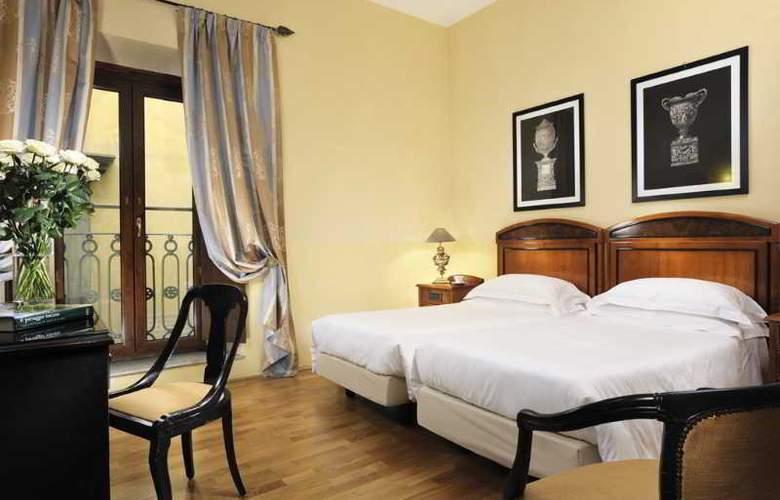 Grand Hotel Cavour - Room - 8