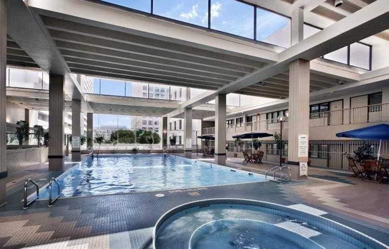 Delta Winnipeg - Pool - 3
