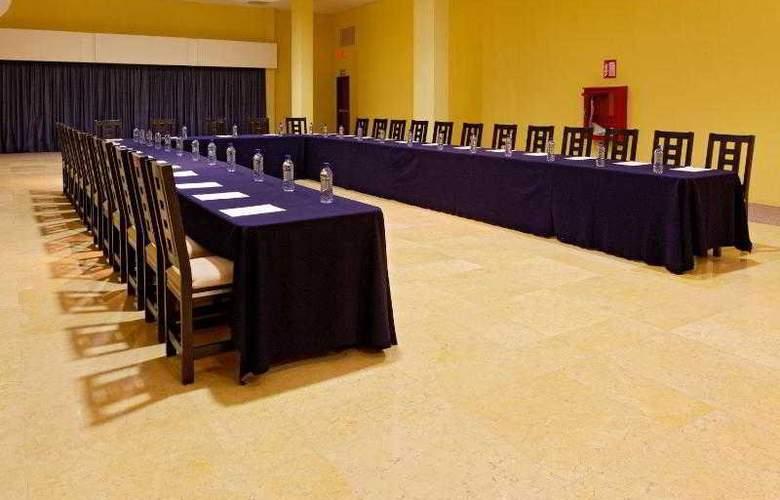 City Express Nuevo Laredo - Hotel - 13