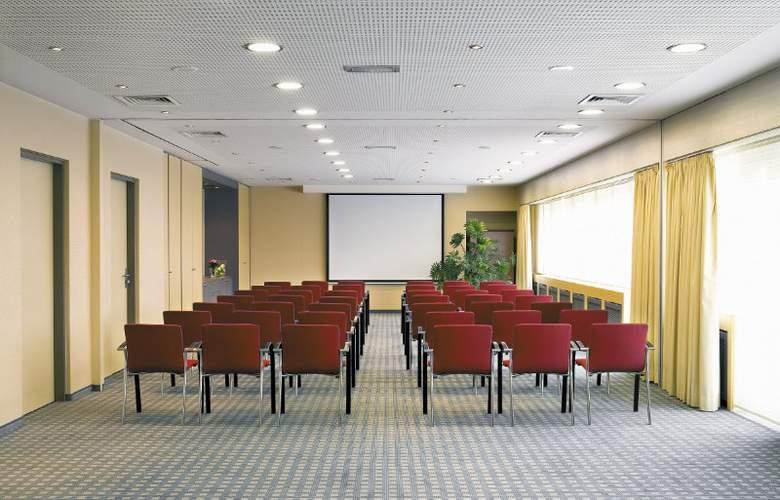 Mövenpick Hotel 's-Hertogenbosch - Conference - 3