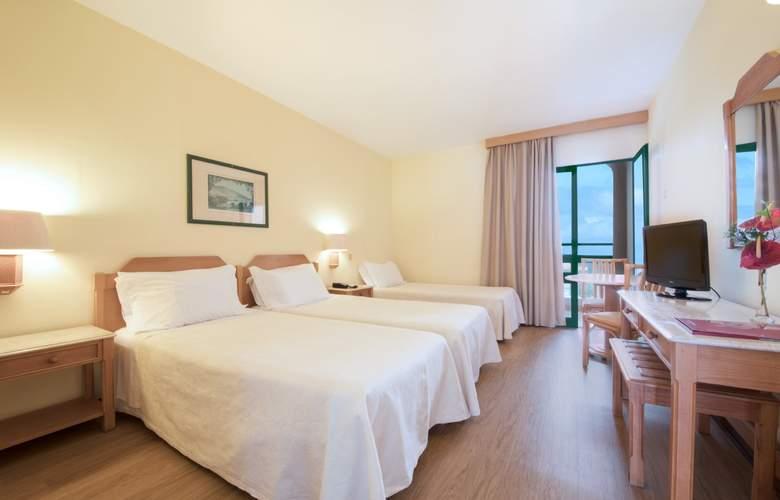 Dom Pedro Garajau - Room - 12