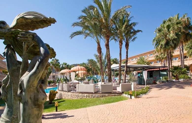 Mon Port Hotel Spa - Terrace - 210