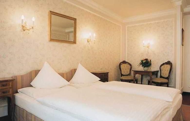 Savoy Garni - Room - 4