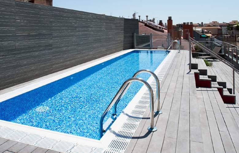 Catalonia Barcelona 505  - Pool - 3