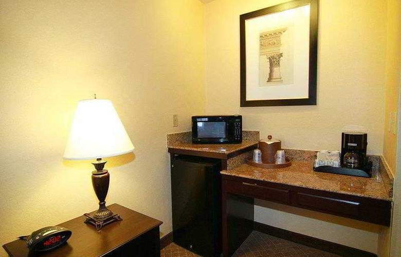 Best Western Plus Las Vegas West - Hotel - 28