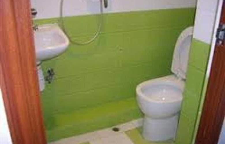 Canadian Hostel - Room - 7