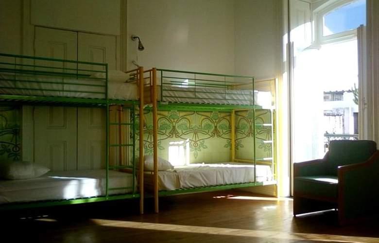 Go Hostel Lisbon - Room - 11