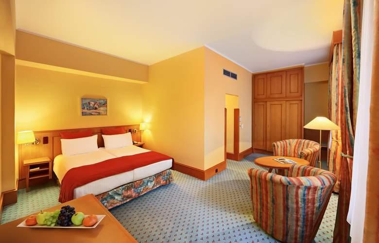 International Prague - Room - 1