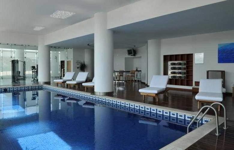 DoubleTree by Hilton Hotel México City Santa Fe - Pool - 3