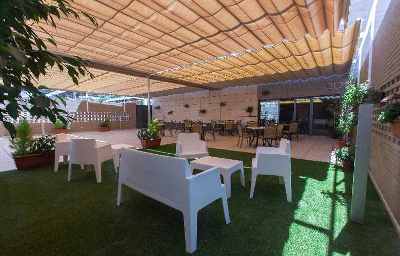 Sercotel Gran Fama - Terrace - 43
