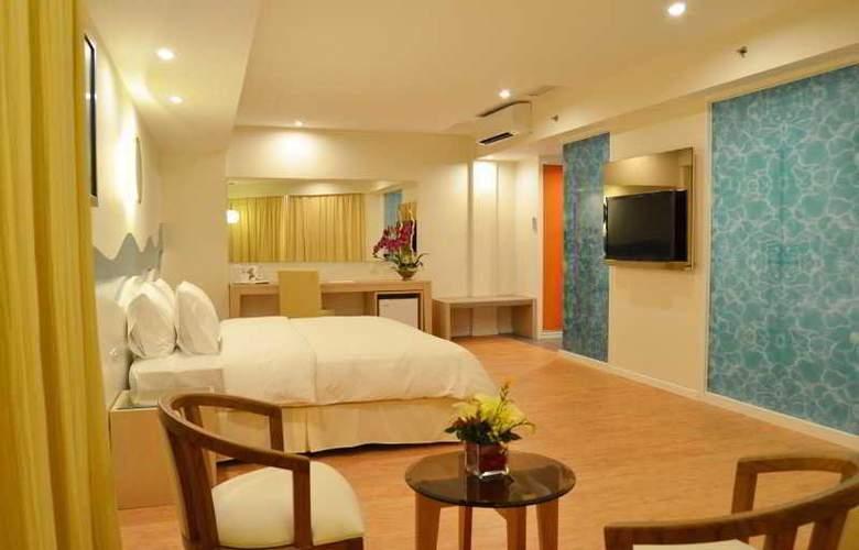 Oceania Hotel - Room - 1