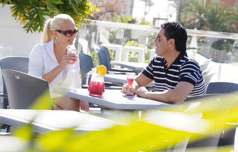 Sandos Monaco Beach Hotel and Spa - Terrace - 38
