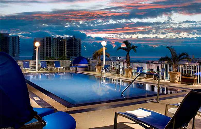Courtyard by Marriott Miami Beach South Beach - Pool - 2
