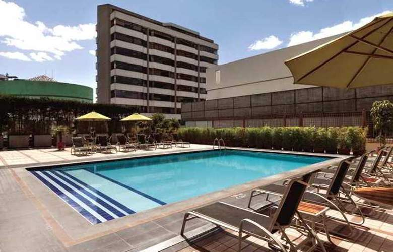 Hilton Colon Quito - Pool - 23
