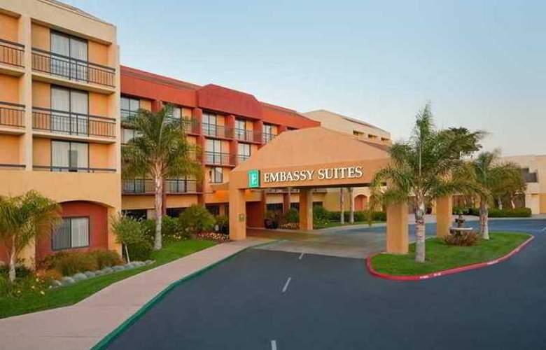 Embassy Suites - Hotel - 0
