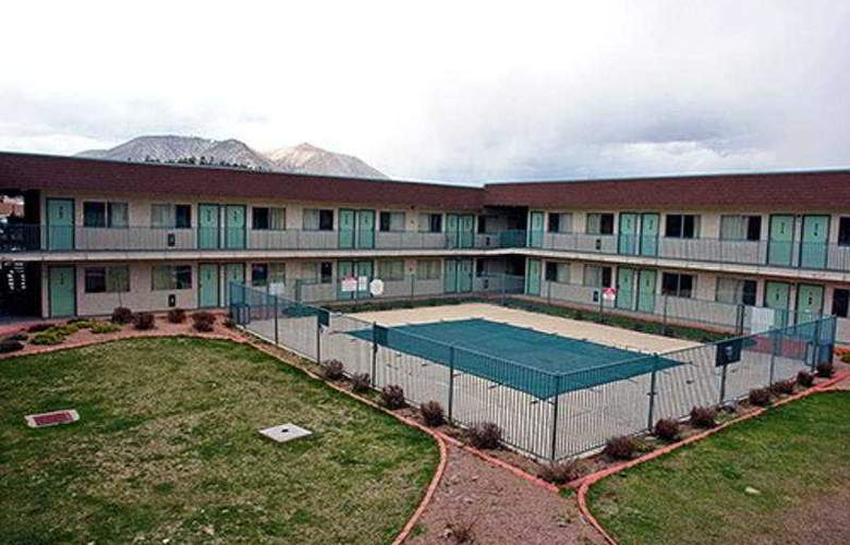 Motel 6 Flagstaff - Pool - 3