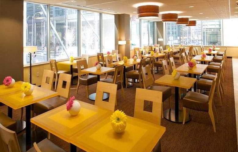 La Quinta Inn & Suites Chicago Downtown 2013 - Restaurant - 4