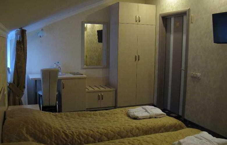Gonchar - Room - 9