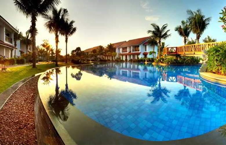 Radisson Resort Temple Bay Mamallapuram - Pool - 2