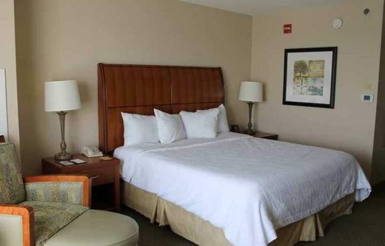 Hilton Garden Inn Addison - Hotel - 1