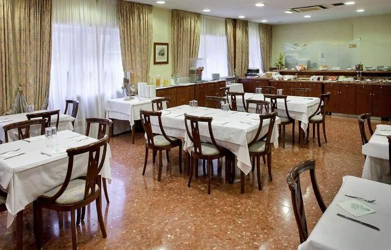 Gaudi - Restaurant - 13
