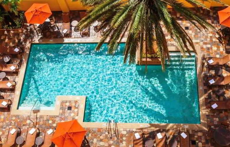 Embassy Suites by Hilton Orlando International Drive Convention Center - Pool - 14