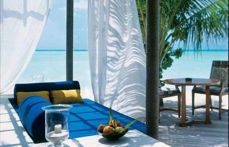 Taj Exotic Resort & Spa Maldives - Terrace - 7