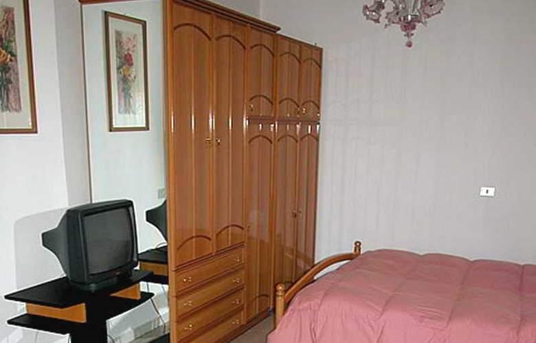 President Hotel - Room - 8